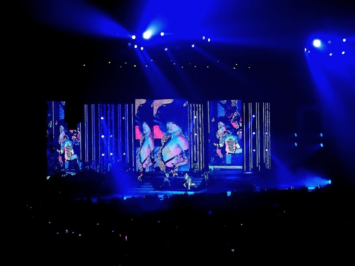 Touch Mi Again: 鄭秀文世界巡迴演唱會澳門站